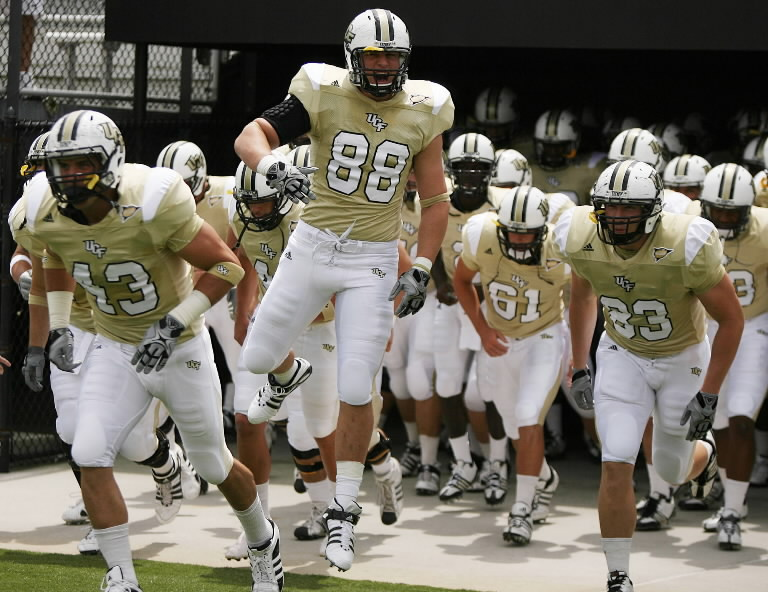 http://glossandshine.files.wordpress.com/2010/11/ucf-football-team-picture-credit-stephen-m-dowell.jpg